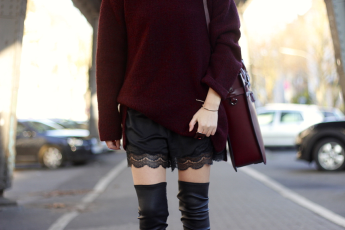 Bordeaux_overknees_lace_ohhcouture13