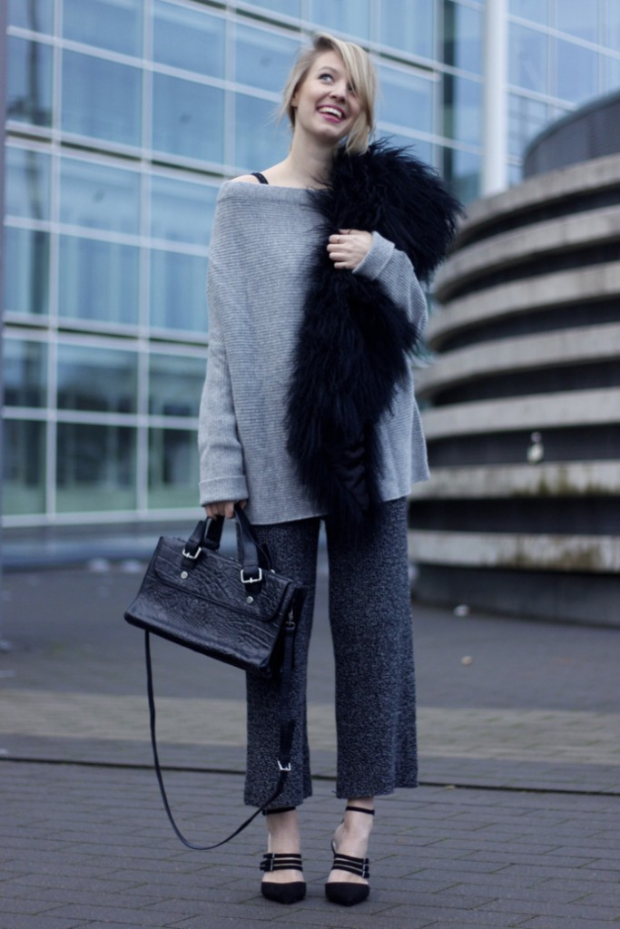 knitted_culottes_strappy_heels_fur_ohhcouture1