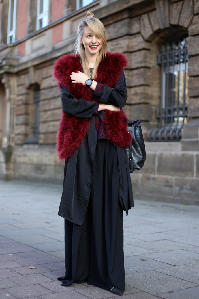 Feather_vest_wide_pants04
