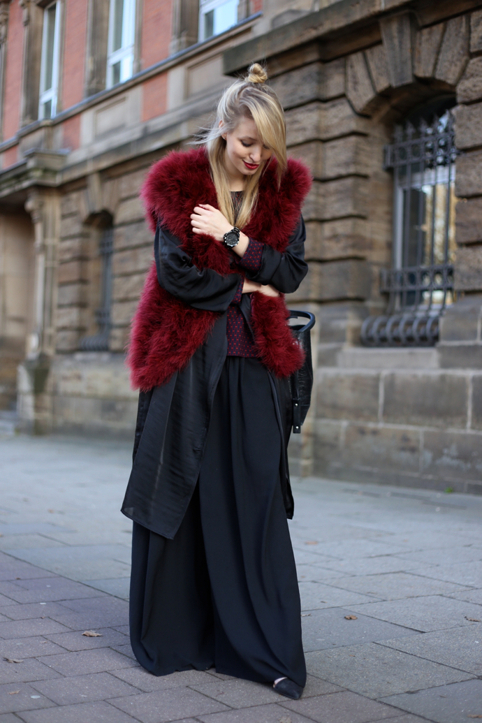 Feather_vest_wide_pants05