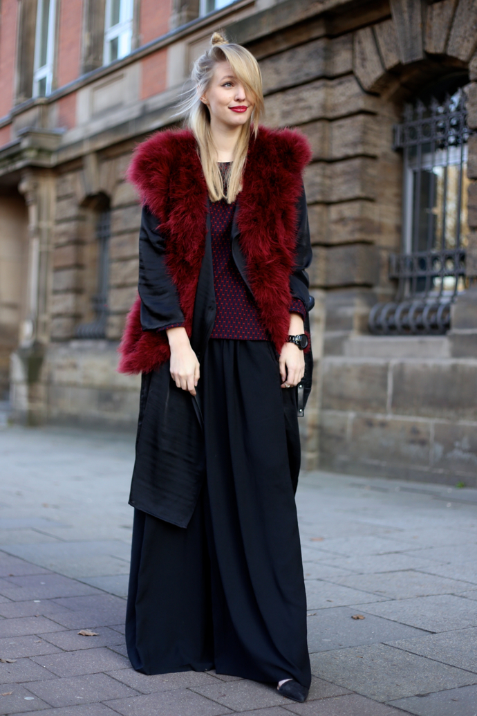 Feather_vest_wide_pants06