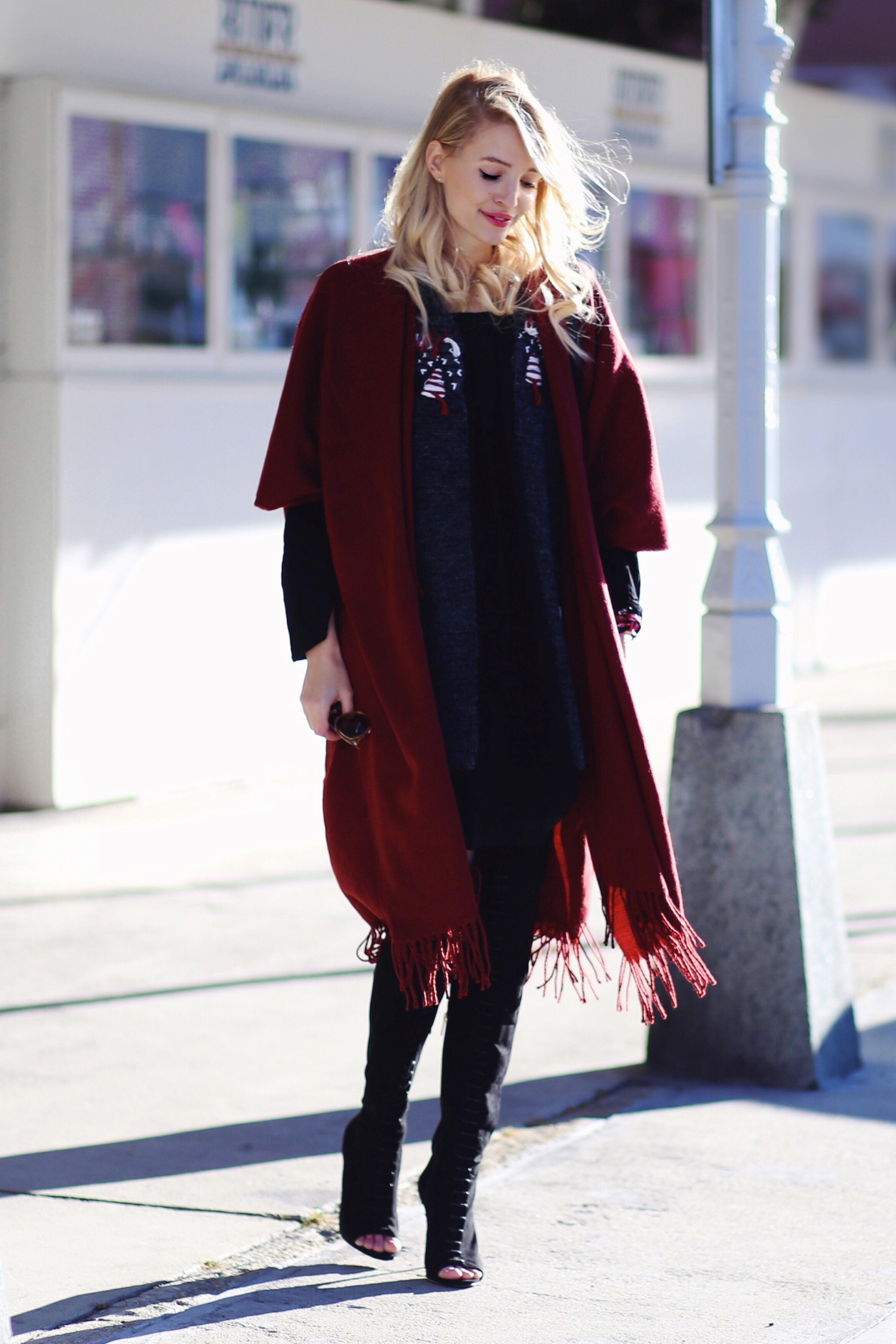 Fringe_poncho_cape_overknees_ohhcouture1