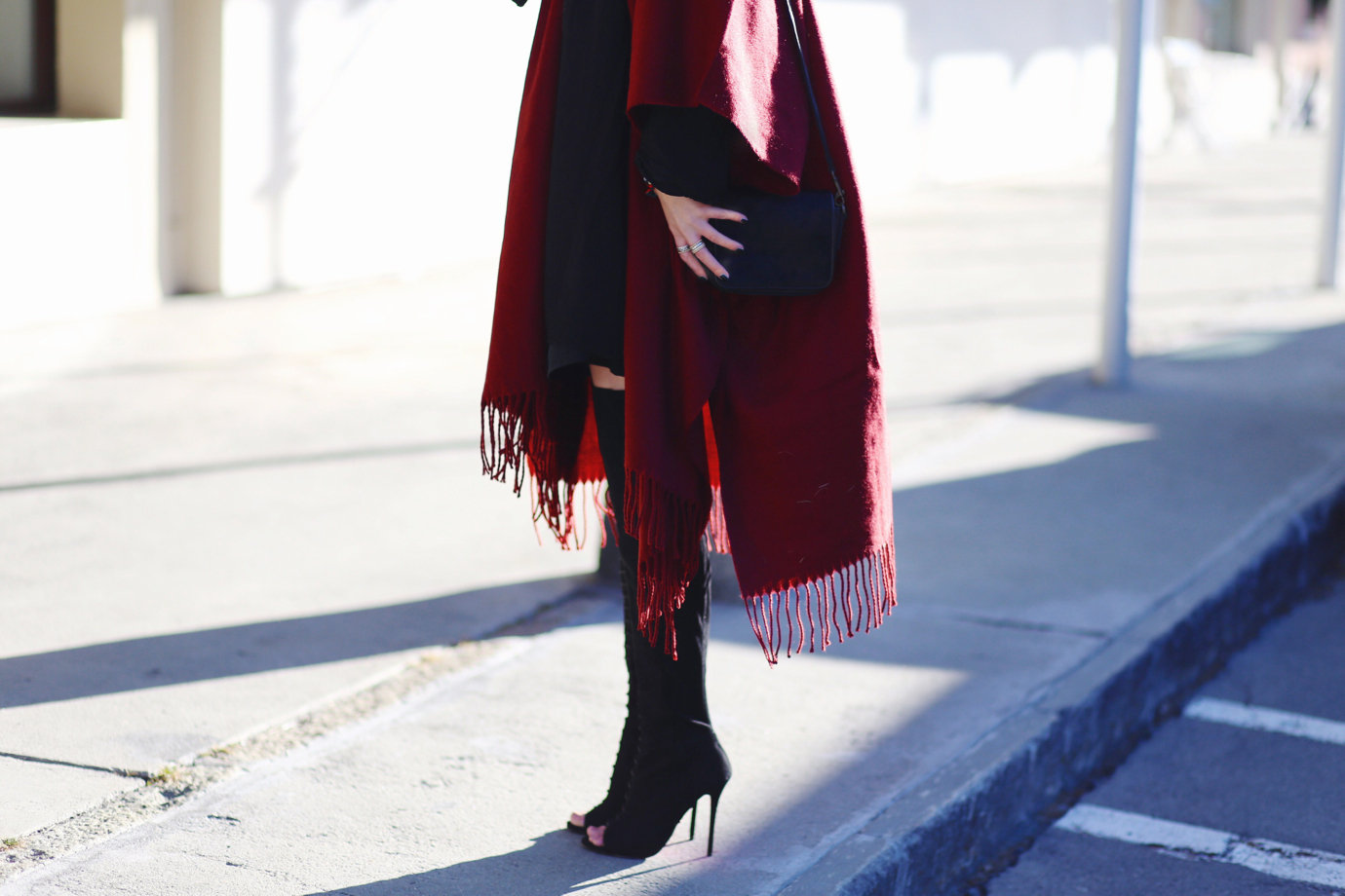 Fringe_poncho_cape_overknees_ohhcouture8