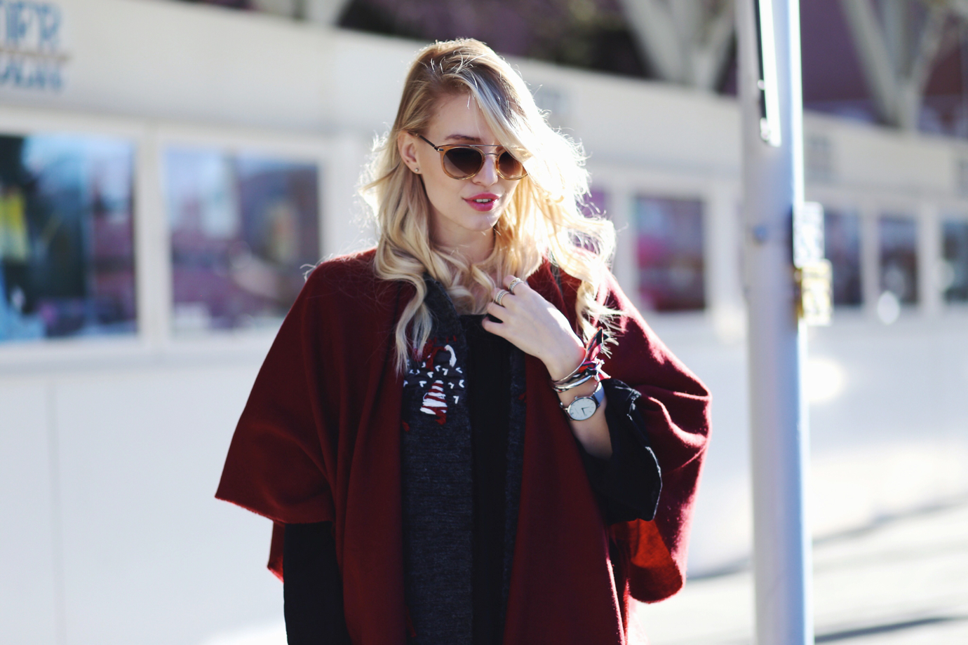 Fringe_poncho_cape_overknees_ohhcouture_1